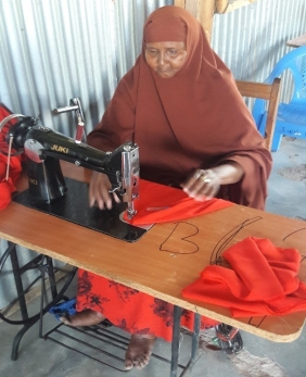Kusey Mohamed Mohamud in tailoring class